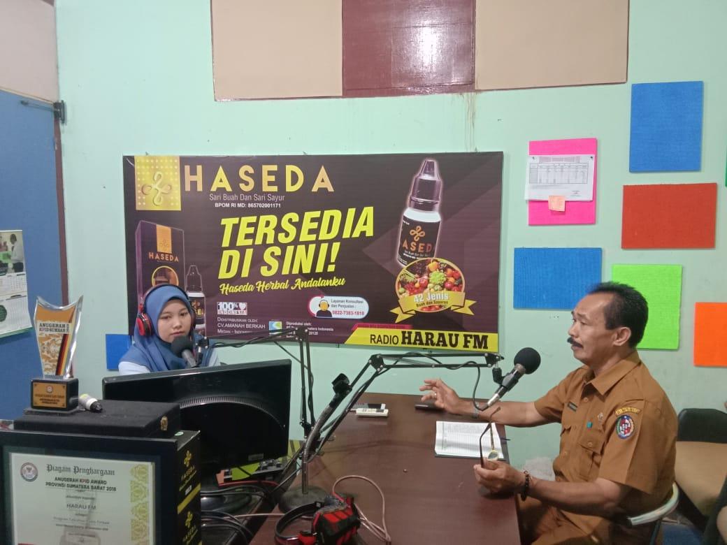 Dinas Komunikasi dan Informatika Kabupaten Lima Puluh Kota kembali melaksanakan Talkshow di Radio Harau dengan narasumber dari Sekretaris Camat Gunuang Omeh Yuhenri.